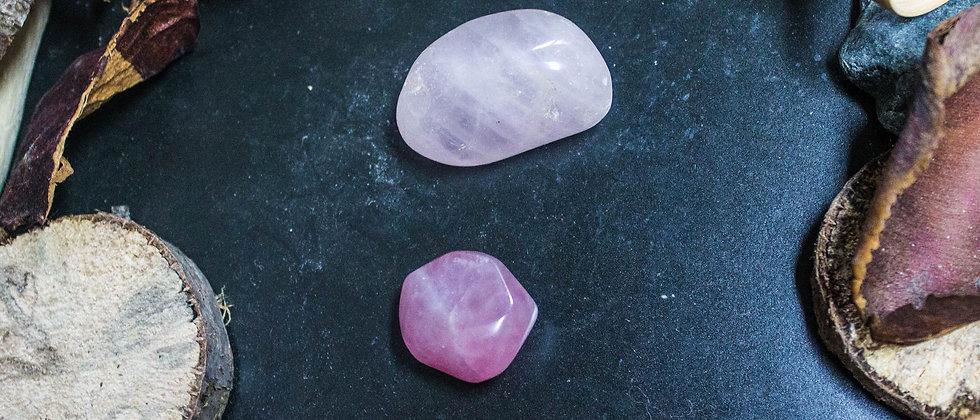quartz rose, pierre roulée, pierre semi précieuse, gemme, leanne ingouff, lithothérapie, saint laurent du pont, oeil du tigre