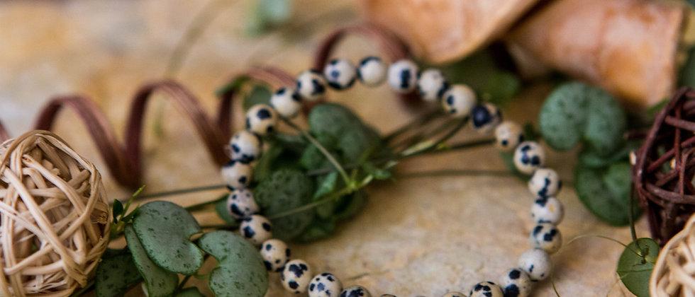 jaspe dalmatien, bracelet, pierre semi précieuse, gemme, leanne ingouff, lithothérapie, saint laurent du pont, oeil du tigre