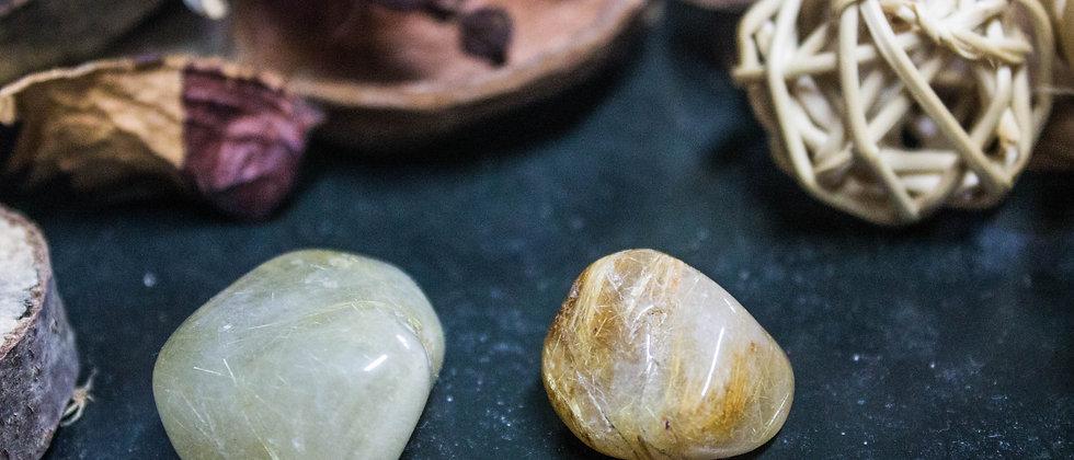 quartz rutile, pierre roulée, pierre semi précieuse, leanne ingouff, lithothérapie, saint laurent du pont, oeil du tigre