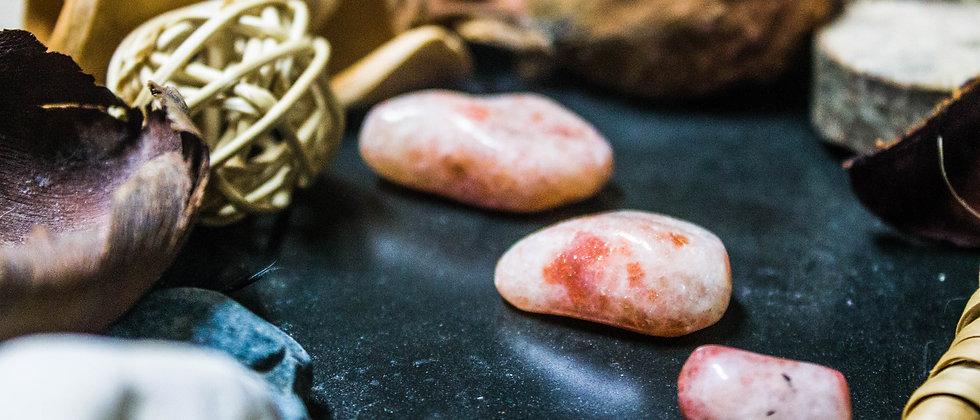 pierre de soleil, pierre roulée, pierre semi précieuse, leanne ingouff, lithothérapie, saint laurent du pont, oeil du tigre