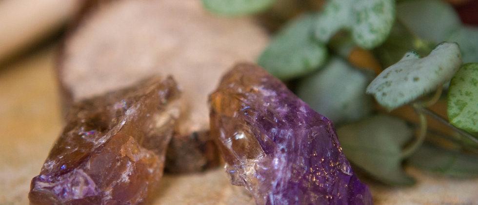 amétrine, pierre brute, pierre semi précieuse, gemme, leanne ingouff, lithothérapie, saint laurent du pont, oeil du tigre
