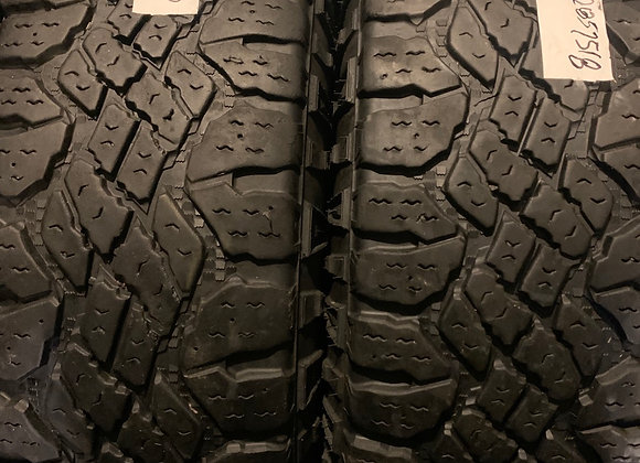2 used tires 285/75R18 LT