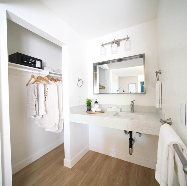 King Size Room Bathroom
