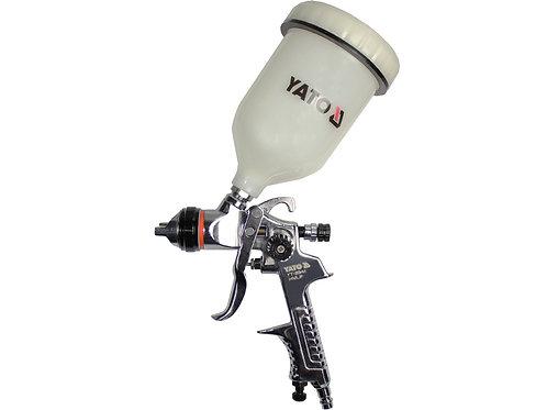Spray gun with fluid cup
