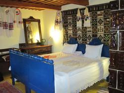 Bedroom, Botiza