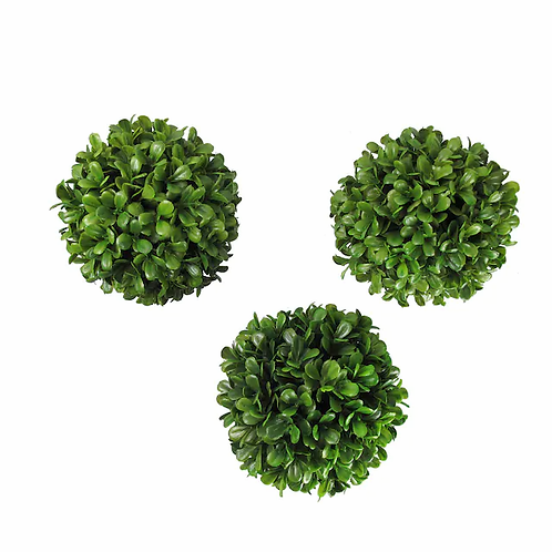 Medium Boxwood Orbs