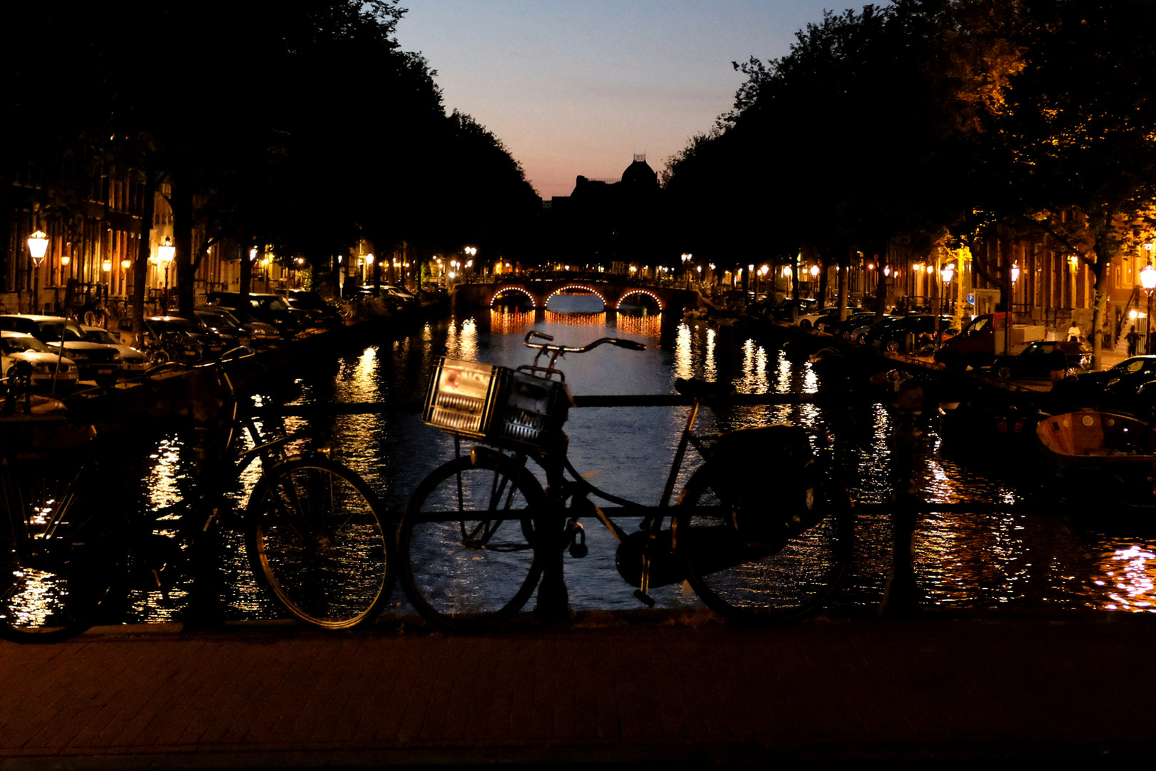 01-Amsterdam in 12800ISO.jpg