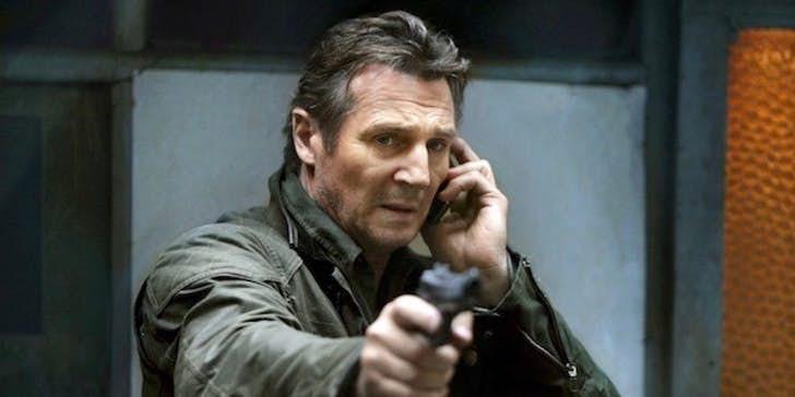 """Famoso pela franquia de ação """"Busca Implacável"""", o ator Liam Neeson deve participar do spin-off de Homens de Preto. (Imagem: cbr.com/divulgação)"""