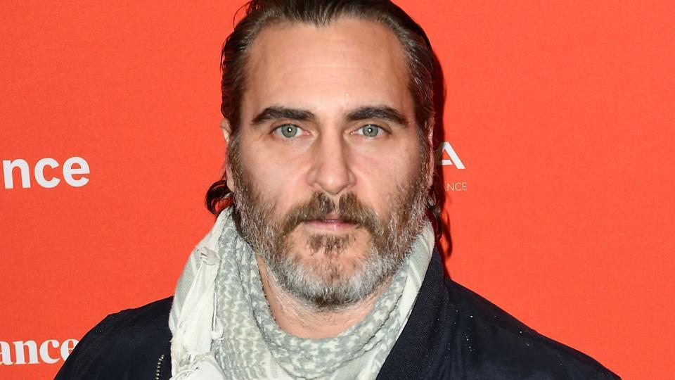 O filme solo do Coringa, com Joaquim Phoenix, não fará parte do DCEU.