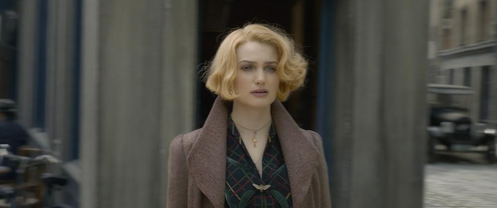 Alison Sudol retorna no papel de Queenie Goldstein.