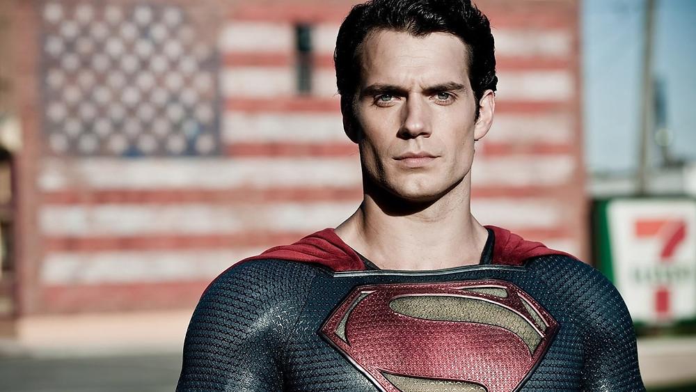 Interpretado por Henry Cavill, o Superman do universo DC divide os fãs até hoje