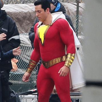Fotos dos bastidores de Shazam, mostram mais do uniforme do héroi