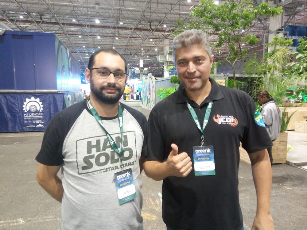 Raul Maia (esquerda) e Marcelo Forchin (direita) são membros do site Conselho Jedi, o maior sobre Star Wars no Brasil. (Imagem: Paulo Lídio/Be Geeks)