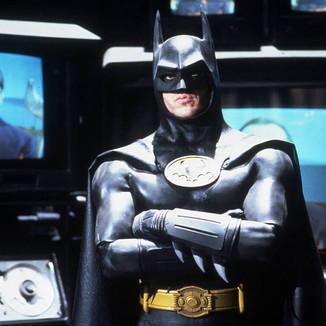 """Michael Keaton é confirmado como """"Batman"""" em The Flash"""