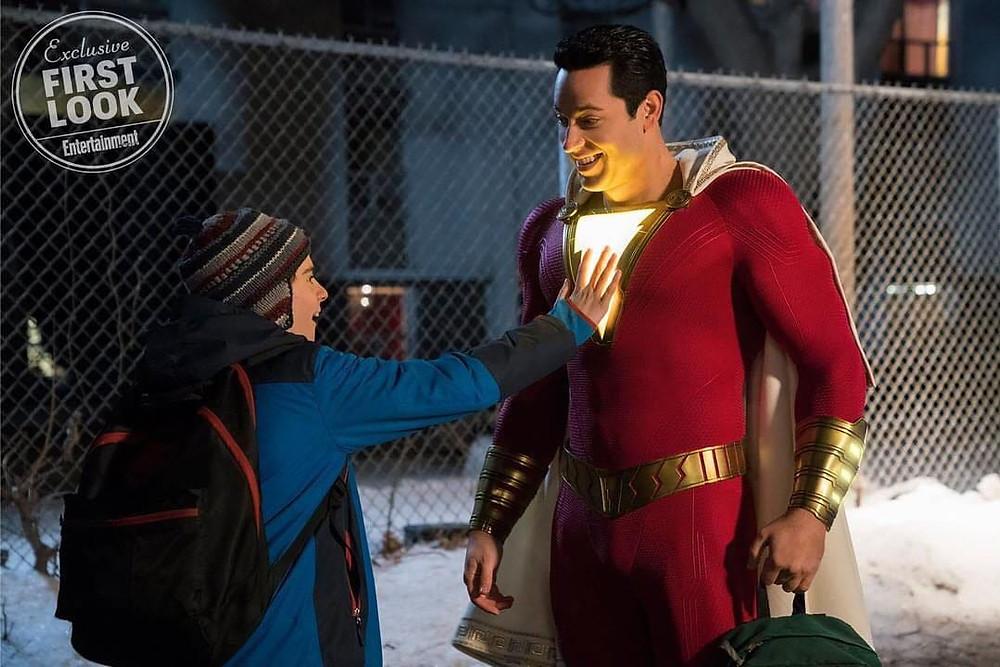 O ator Zachary Levi será o responsável por interpretar o herói Shazam nos cinemas. (Imagem: DC/Warner/Entertainment Weekly)