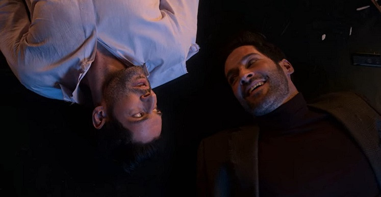Muito mais de Tom Ellis: Lucifer tem como principal antagonista seu irmão gêmeo, o Arcanjo Miguel (Foto: Netflix / Reprodução)