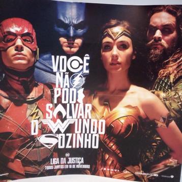 """Liga da Justiça   Crítica - """"Você não pode salvar o mundo sozinho"""", mas a DC salvou seu Universo no"""