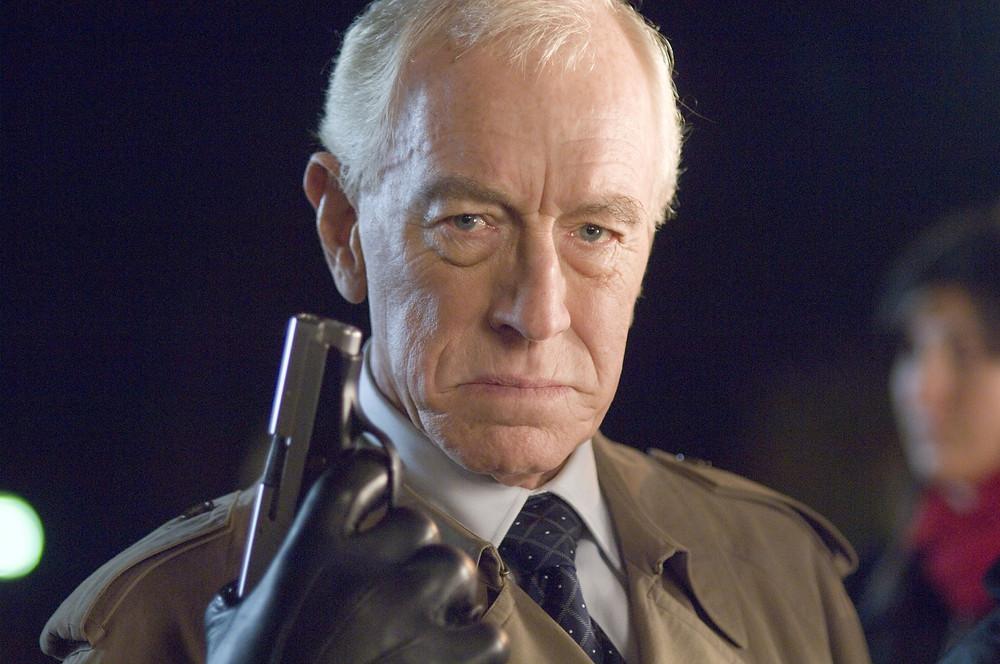 Max von Sydow faz outro personagem mal desenvolvido num dos plot twist mais sem sentidos já feitos