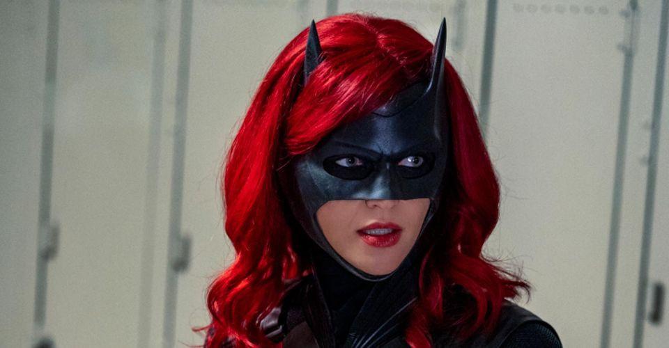 Com a saída de Ruby Rose do elenco, Batwoman deve ter nova personagem principal no manto da heroína (Foto: The CW / Reprodução)