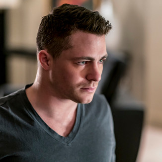 Arrow: Colton Haynes vai voltar como personagem regular na 7° Temporada