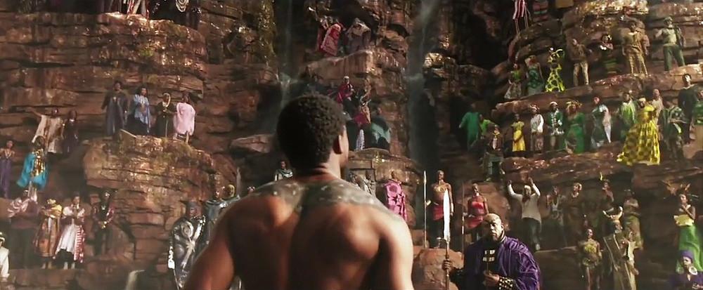 Cena do filme - Coroação de T'Challa