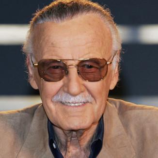Stan Lee é vítima de abuso, entenda