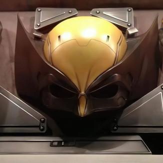 Diretor de Logan revela que Hugh Jackman nunca usou a máscara do Wolverine