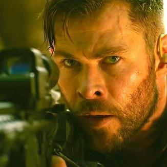 Chris Hemsworth agradece aos fãs pelo sucesso do filme 'Resgate'