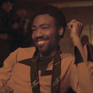 """Donald Glover promove tour para fãs em novo vídeo de """"Solo: Uma História Star Wars"""""""
