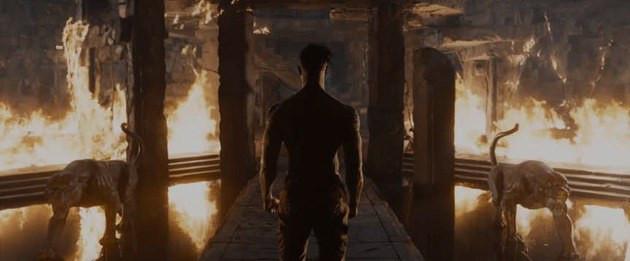 Cena do filme - Killmonger contempla o incêndio das plantações de erva-coração