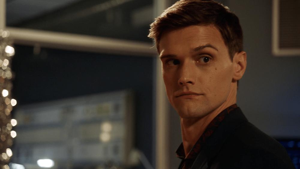 Depois de um começo tímido, Ralph Dibny (Hartley Sawyer) praticamente leva a série nas costas (Foto: The CW / Reprodução)