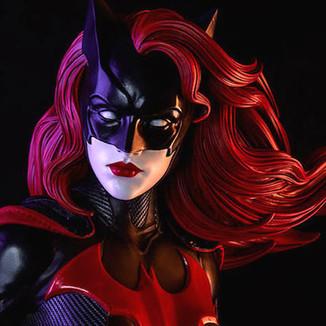 CW procura atriz lésbica para interpretar Batwoman em série live action