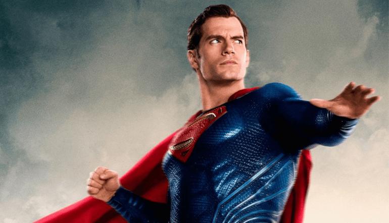 O ator Henry Cavill foi bem recebido pelos fãs atuando como o Superman. (Imagem: Warner Bros/divulgação)