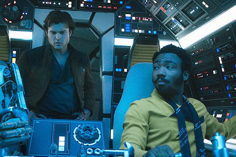Alden Ehrenreich (Han Solo) e Donald Glover (Lando Calrissian) obtiveram papéis de destaque como era esperado. (Imagem: Disney/Lucas Films/Divulgação)