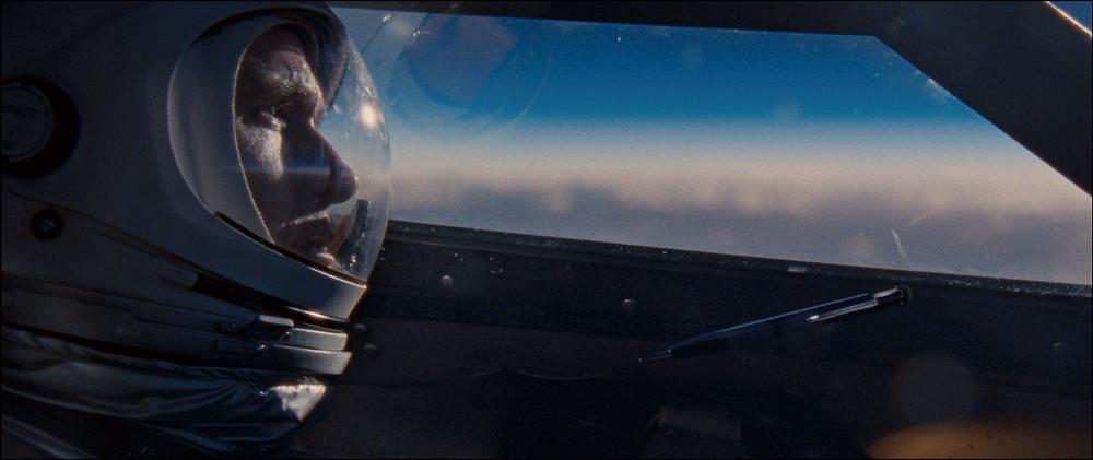 Neil teve que passar por uma série de desafios pessoais para chegar na Lua. Um dos melhores filmes de superação já feitos!