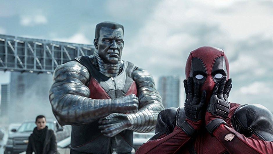 Deadpool, o maior exemplo de filme com baixo orçamento, lucro alto e críticas positicas (Créditos: Fox Studios/Divulgação)