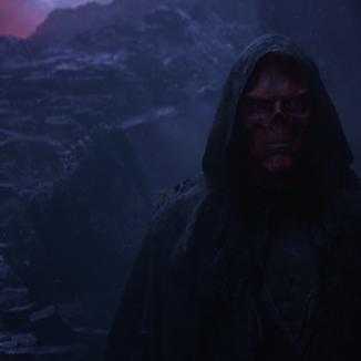 Roteiristas de Vingadores: Guerra Infinita explicam o retorno do Caveira Vermelha