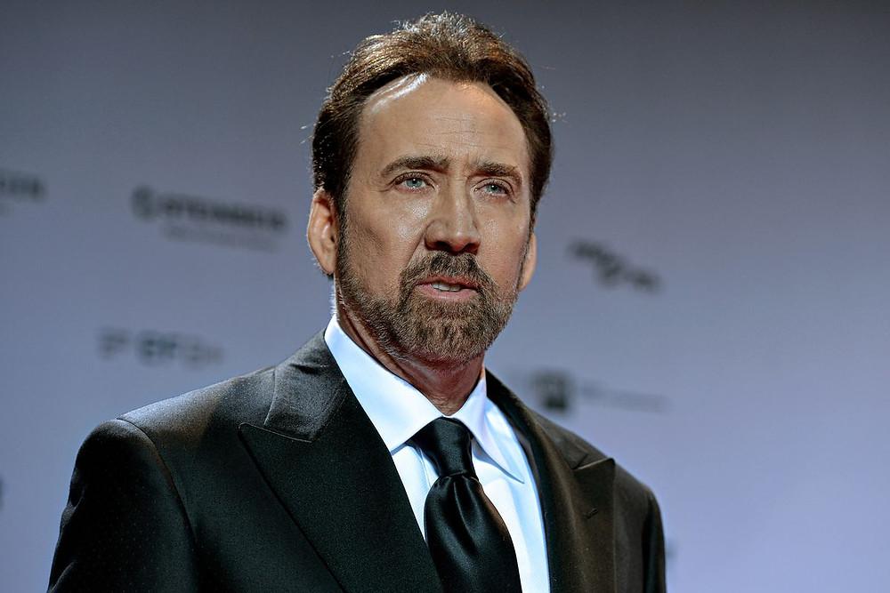 """O ator Nicolas Cage quase foi o vilão do filme """"Besouro Verde"""". (Imagem: Youtube / Divulgação)"""