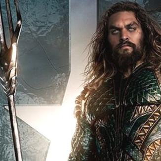 Jason Momoa pode vestir o traje clássico em Aquaman? Entenda