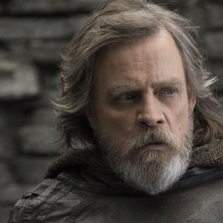 Star Wars   Mark Hamill afirma que o arco de Luke reflete o mundo atual.