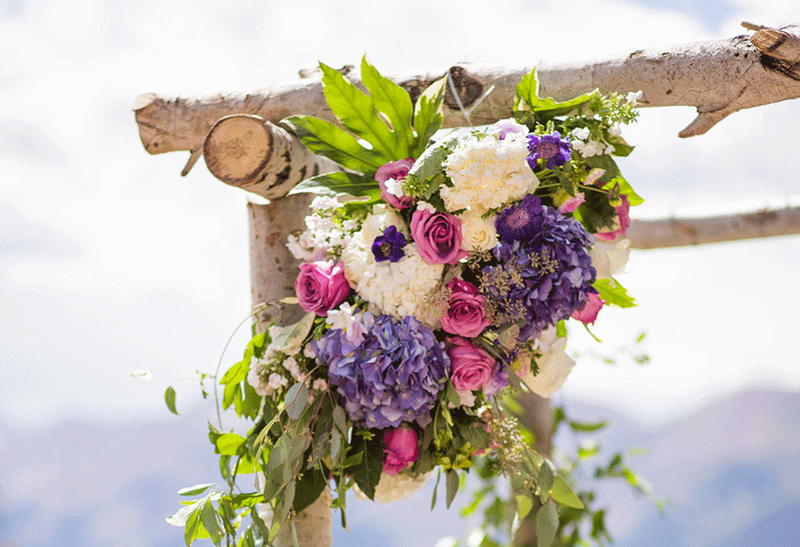 Log Chuppah Detail