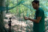 Marcelo grabando Thyroptera.jpg