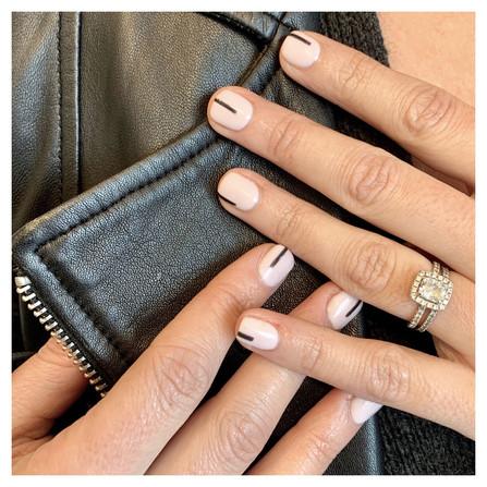 Chic Minimal Nail Art