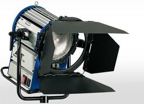 Прибор ARRI HMI Compact 1200 W