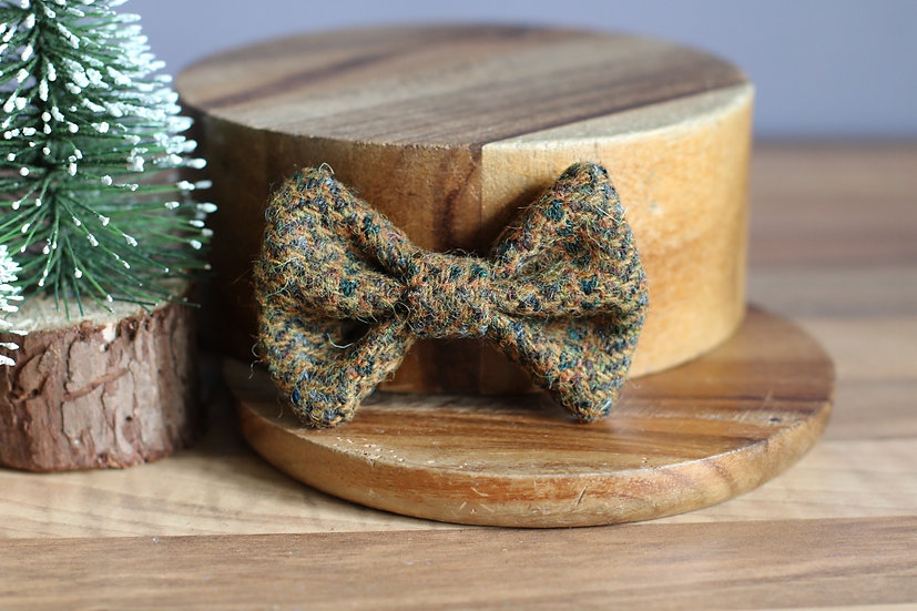 The Log Cabin Harris Tweed Bow