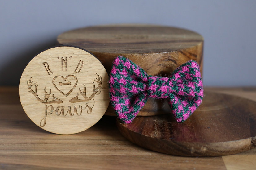 Small Pink and Dark Green Harris Tweed Bow