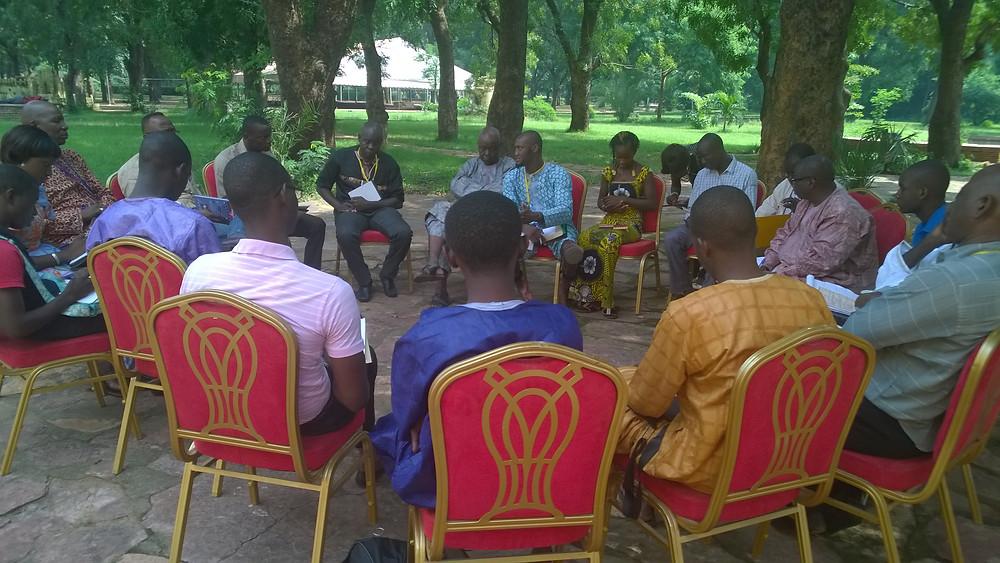 Groupe2  Ecrivains et intellectuels africains comme acteurs pour la défense des libertés et des diversités, la consolidation de la culture de paix