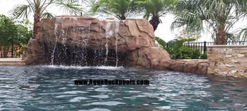 Swimming pool Grotto 3
