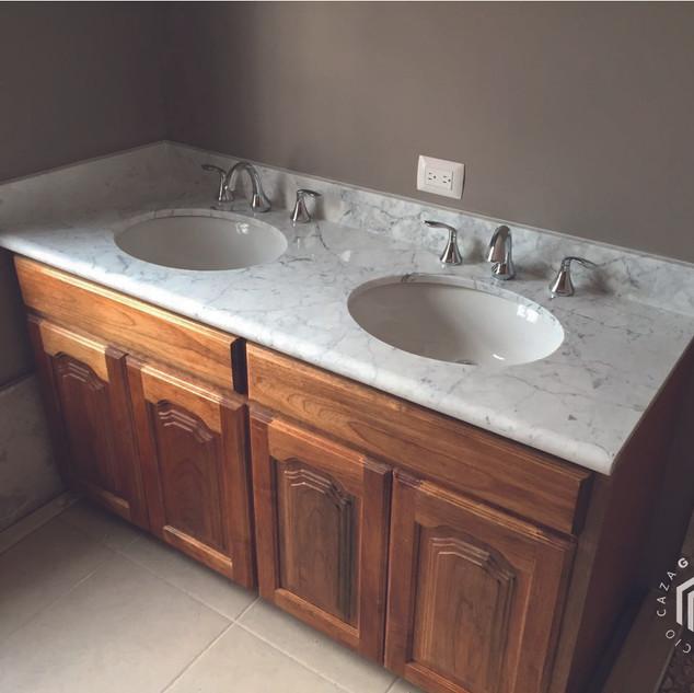 mueble-bano-marmol-bco-consorcio-caza-ar