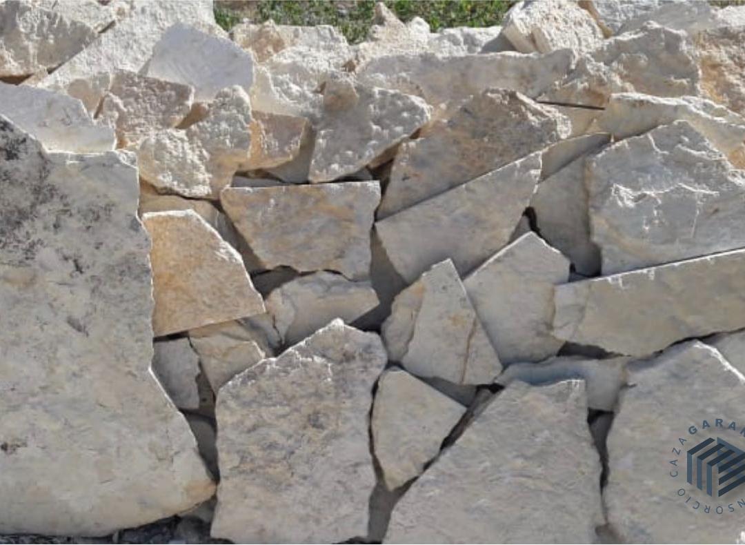 laja-piedra-1-consorcio-caza-arquitectos